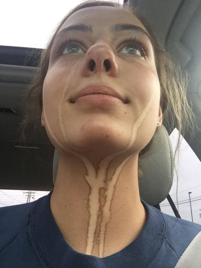The Definition Of Bad Luck In 26 Images - Spray tan tears may reveal your secrets.