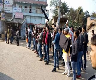 सीतामढ़ी में CPI नेता कन्हैया के काफिले को रोका; दिखाए काले झंडे, जमकर लगे मुर्दाबाद के नारे
