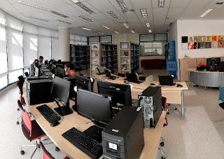 Biblioteca do Senac Registro-SP realiza oficina gratuita para idosos sobre o uso de redes sociais e aplicativos para smartphone