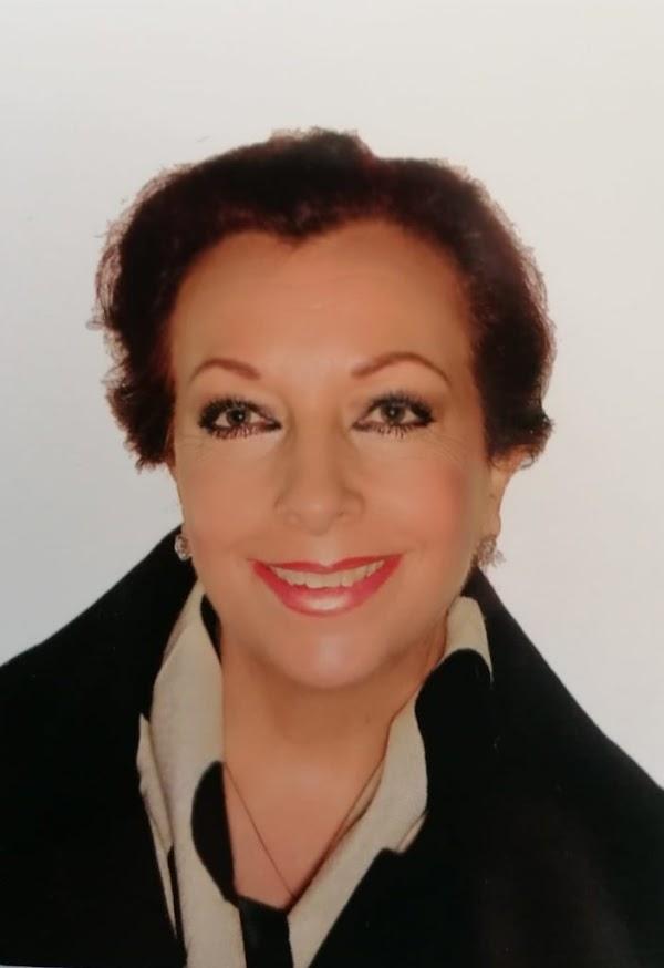 Doña Francisca Medina Sánchez, presentará el Cartel Oficial de la Semana Santa 2021