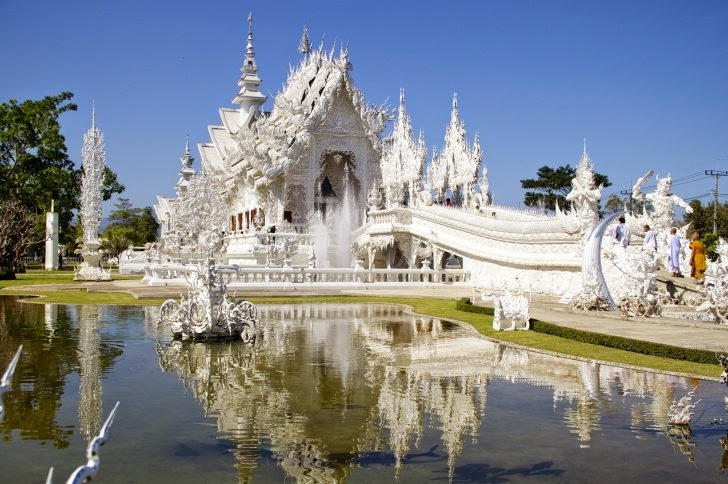 10 – Wat Rong Khun or White Temple, Thailand - 11 Architectural Places You Should See Even Once in Your Life!