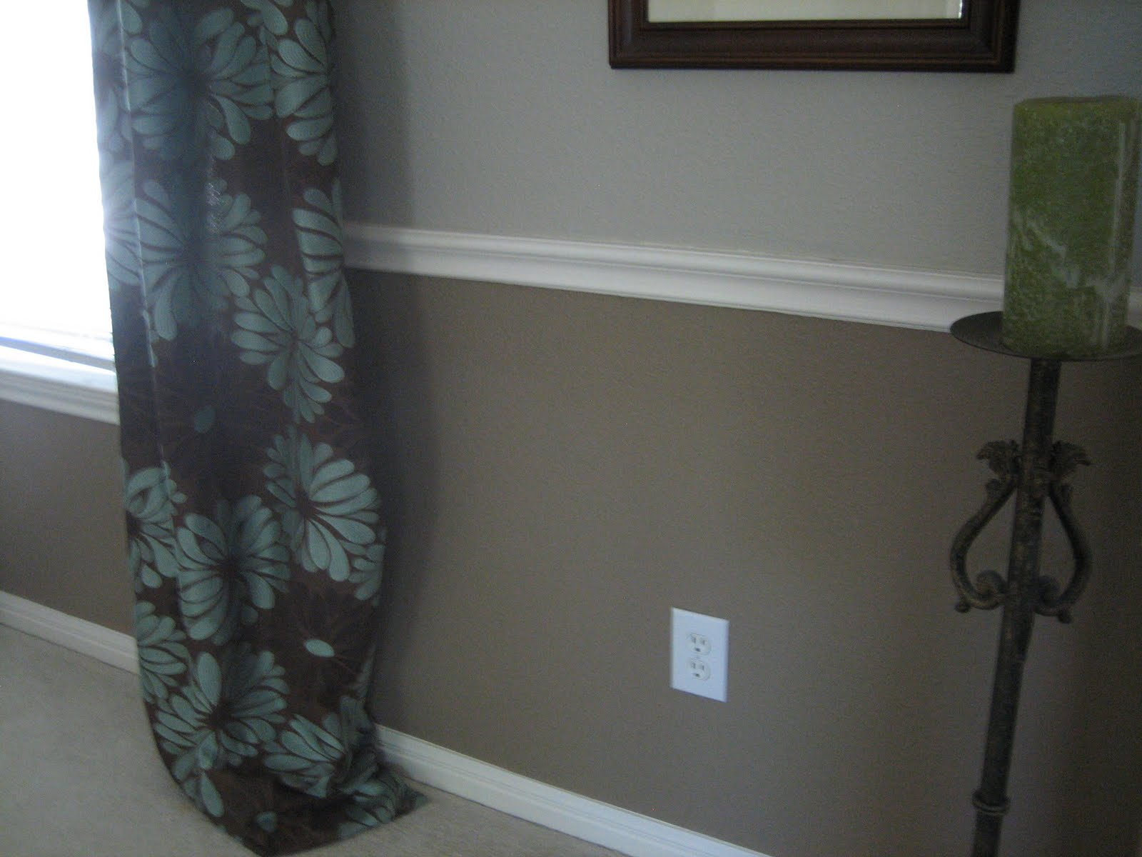 What Color Paint Makes A Room Look Bigger Dining Rooms With Chair Rail Paint Ideas Simple Home