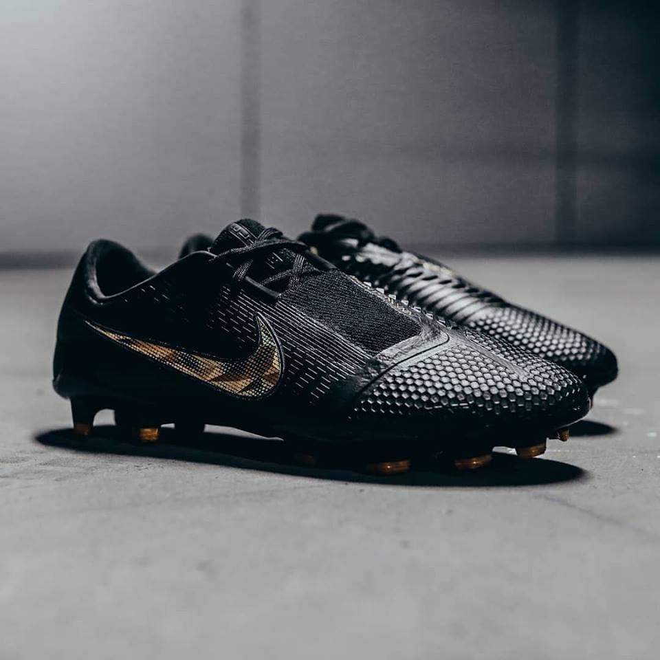 competitive price f5efa aa8a5 Black Lux' Nike Phantom Venom Elite 2019 Boots Released ...