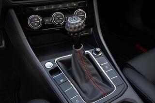 Volkswagen Jetta - cockpit
