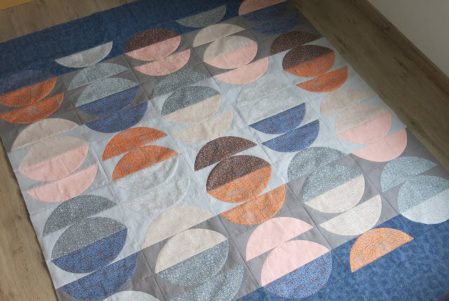 Luna Lovequilts - Top finished, inspired  by Latifah Saafir pattern released in issue #12 of Simply Moderne magazine