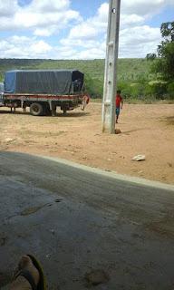 Barra de Santa Rosa ainda utiliza o pau de arara para transportar crianças à escola