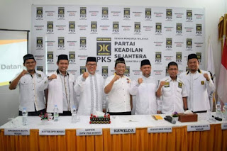 PKS: Insya Allah Menantu Jokowi Bisa Dikalahkan