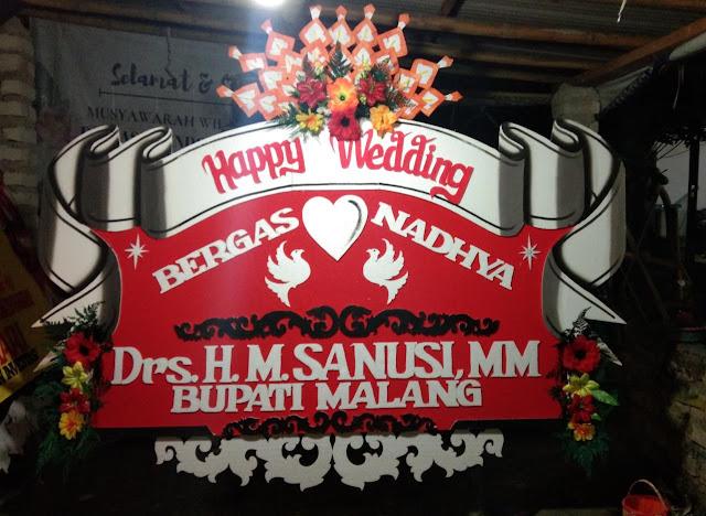Bunga Papan Sumenep Happy Wedding 013🌹🌹🌹