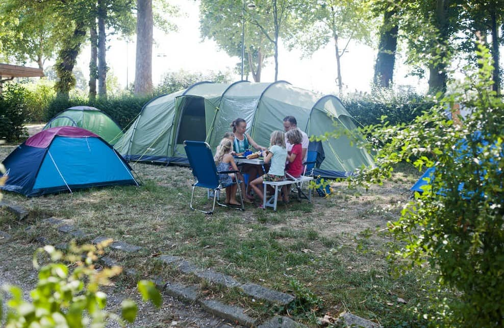 Camping the Grounds of Paris, How to choose camping sites
