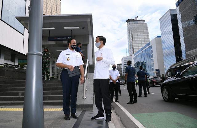 Presiden Jokowi Tinjau Kesiapan New Normal di Stasiun MRT