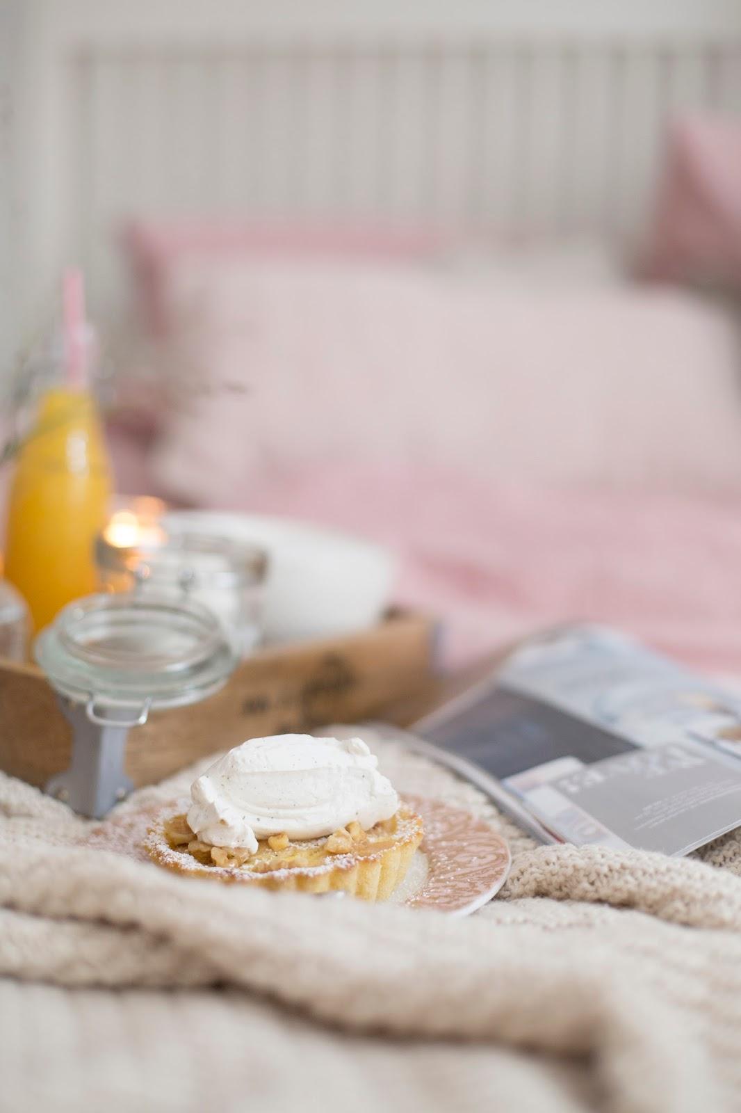 Apfel-Birnen-Tartlets mit Vanillesahne