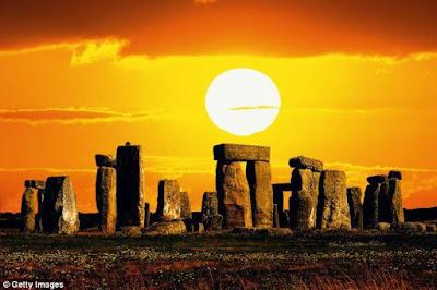 Θερινό ηλιοστάσιο: Σήμερα η μεγαλύτερη ημέρα του χρόνου. Ποια η σημασία του στην Αρχαία Ελλάδα