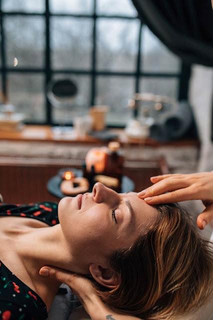 Masaje facial en 5 pasos