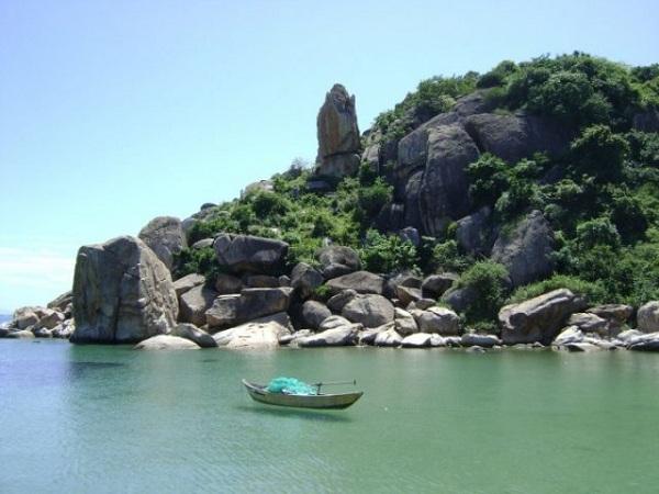 Hòn Một thu hút nhiều khách du lịch khi đến Nha Trang