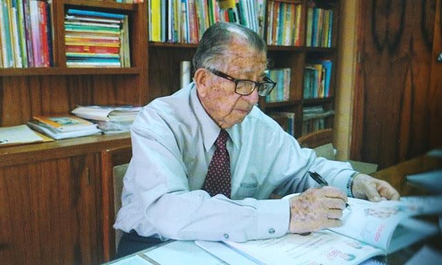 Everardo Zapata Santillana autor del libro Coquito
