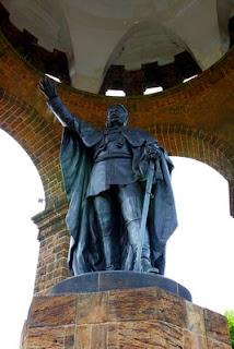 Estatua emperador Guillermo I en Porta Westfalica
