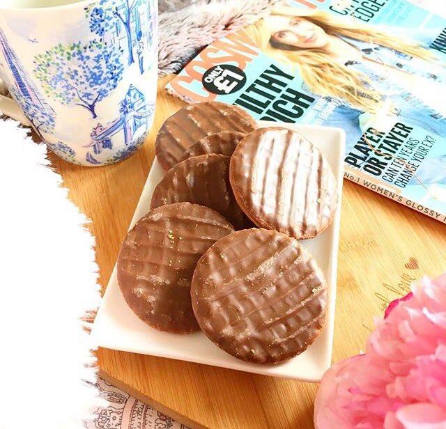 flatlay, magazines, biscuits, tea, flowers