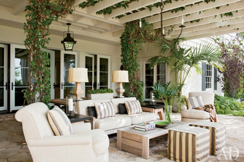 Coastal outdoor great room