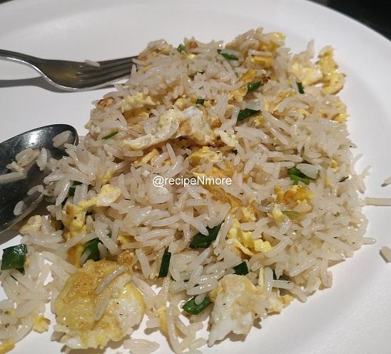 एग फ्राइड राइस   egg fried rice recipe in marathi