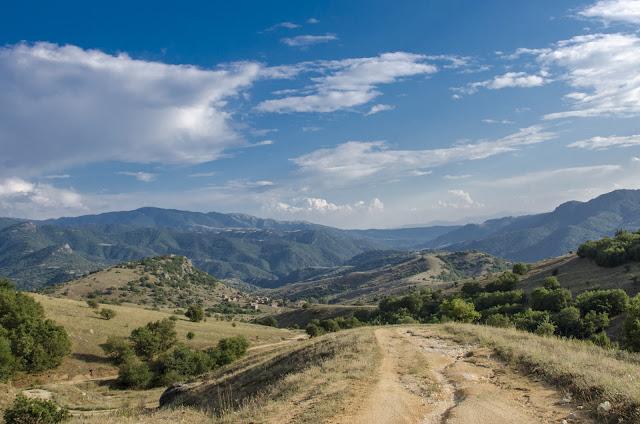 Поглед кон село Груниште, Мариово