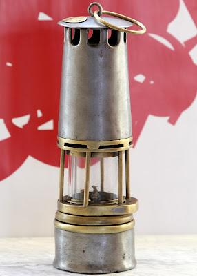 Lámpara tipo Wolf que trabajó en Barruelo