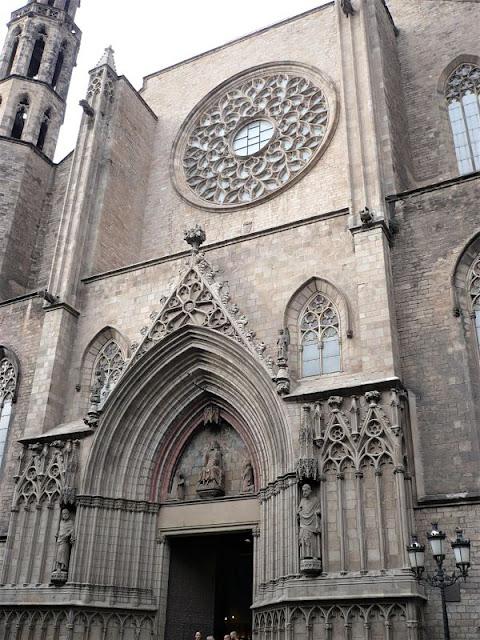 facciata della cattedrale del mar