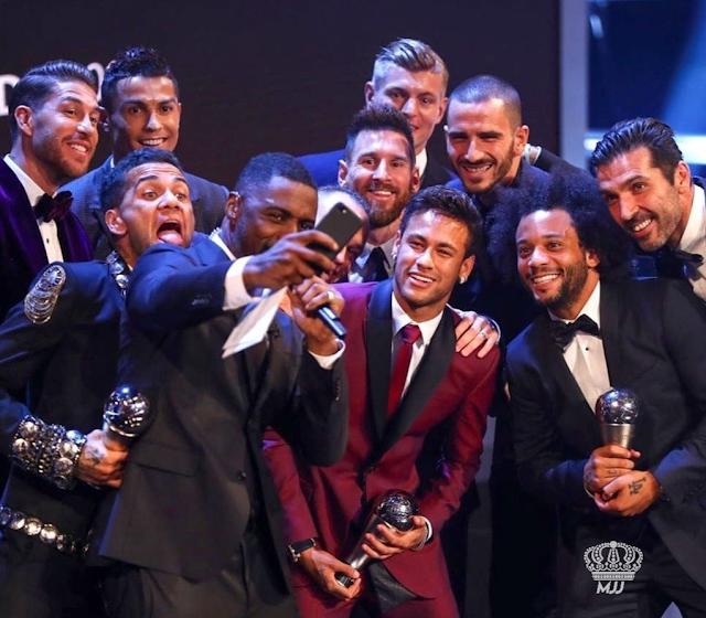 Selfie Bersama Pemain Bintang