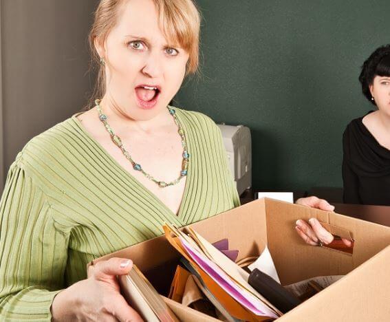 أكثر 20 سبب لفصل موظف عن العمل