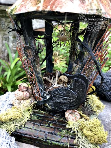 Sara Emily Barkerhttps://sarascloset1.blogspot.com/2020/09/an-altered-birdhouse-with-tim-holtz.html #timholtz #sizzix #chapter3 (1)