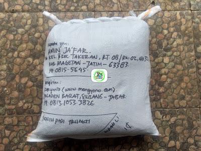 Benih padi yang dibeli   AMIN JAFAR Magetan, Jatim.  (Setelah packing karung ).