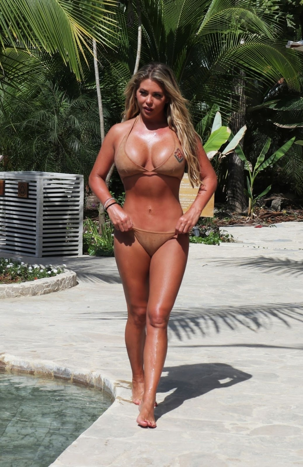 Bianca Gascoigne in Bikini at a Pool in Thailand - Fri Feb 07 2020