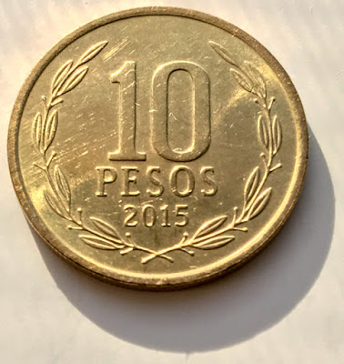 Reverse of 2015-So Chile 10 Pesos, wreath, date, value