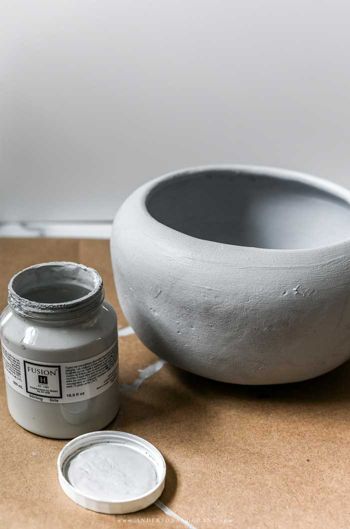 Painting planter gray