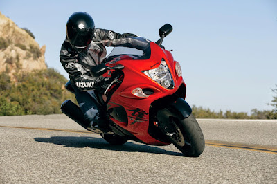 Suzuki Hayabusa in on road