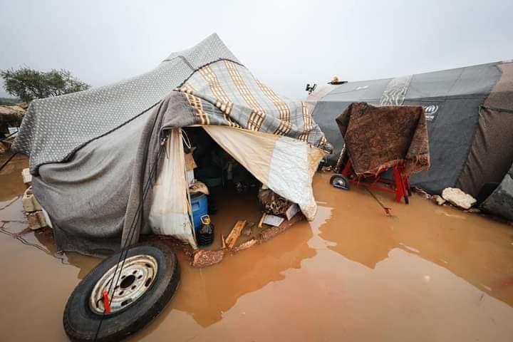 Banjir Besar Terjang Ratusan Tenda Pengungsi Suriah Di Idlib