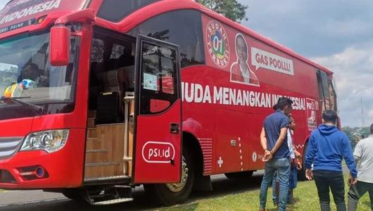 Bus PSI Dilempar Batu, Pelakunya Langsung Tertangkap