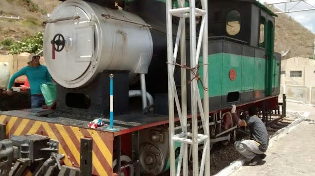 Prefeitura de Piranhas e CBTU realizam manutenção na locomotiva Maria Fumaça