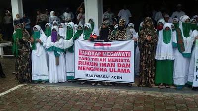"""Masyarakat Aceh Gelar Unjuk Rasa """"Tangkap Megawati Yang Telah Menista Rukun Iman"""""""