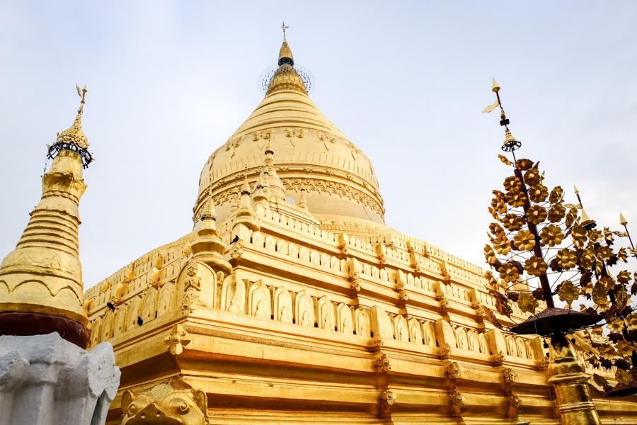 Пагода Швезигон в Баган, Мьянма