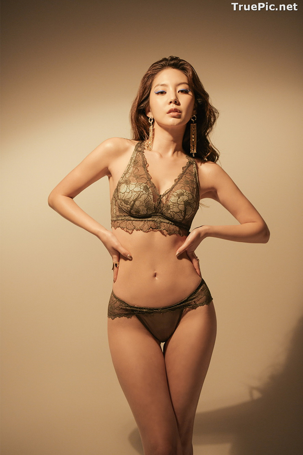 Image Korean Fashion Model - Lee Chae Eun - Soft Brown Lingerie - TruePic.net - Picture-2