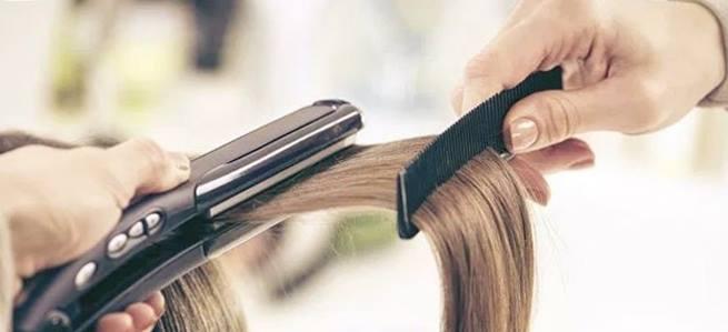 Gambar teknik meluruskan rambut keriting secara mudah dan sehat alami