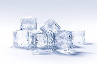 Gambar es baru, es batu, es batu mencair, khasiat es batu
