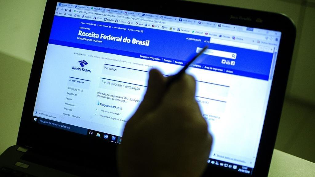 Contribuintes têm até hoje para entregar Imposto de Renda