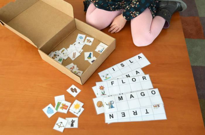 juego lectoescritura conciencia fonológica creatividad inventar historias tableros y tarjetas