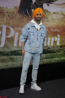 Anushka Sharma with Diljit Dosanjh at Press Meet For Their Movie Phillauri 007.JPG