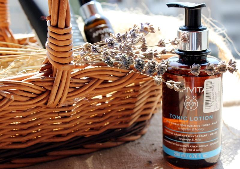 Успокаивающий и увлажняющий тоник для кожи с лавандой и медом Apivita Tonic Lotion Soothing & Moisturizing Toner / обзор, отзывы