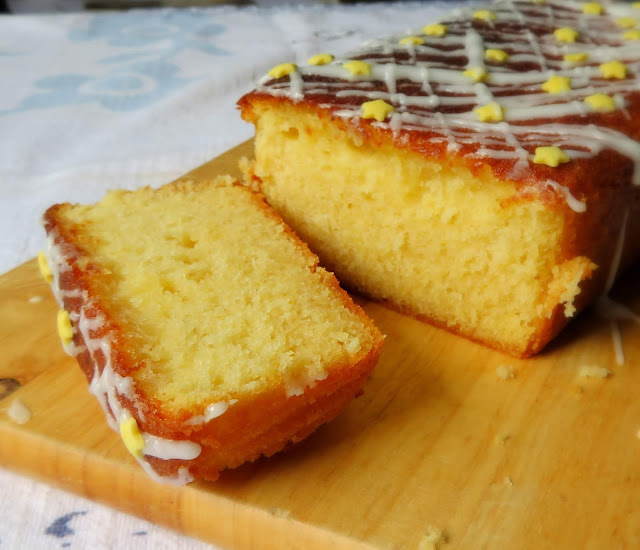 Lemon Curd Drizzle Cake