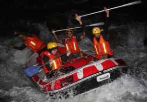 Rafting di Malam Hari-images Regulo Rafting