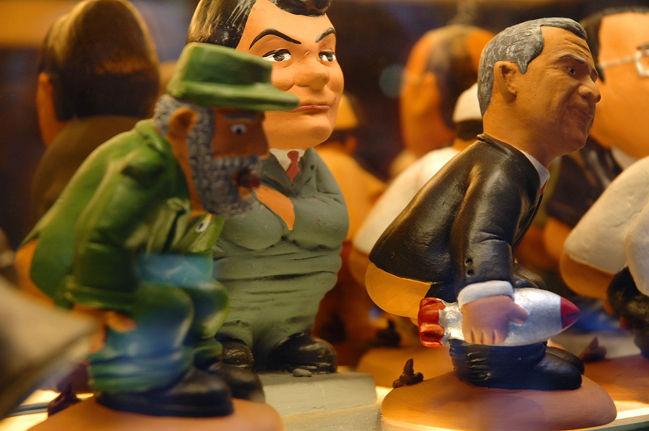Fidel Castro and George Bush Caganer Figures for Catalan Chrismas