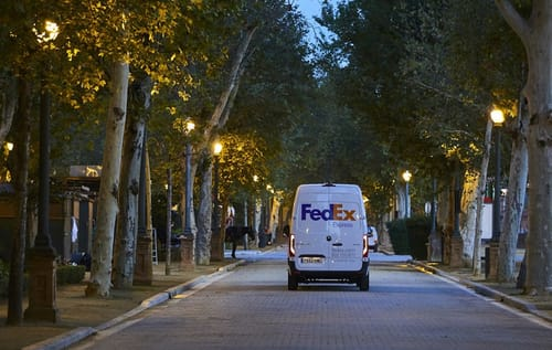 FedEx plans to build an electric transportation fleet by 2040